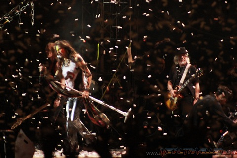 Aerosmith under a confetti rain at Hellfest in Clisson