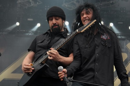 Rob Caggiani and Joey Belladonna live at Sonisphere France with Anthrax