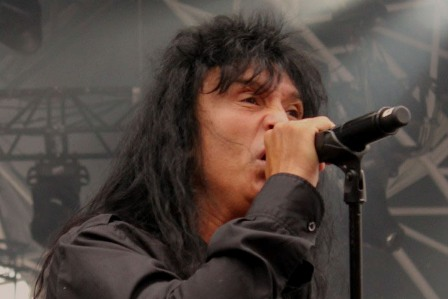 Joey Belladonna singing with Anthrax