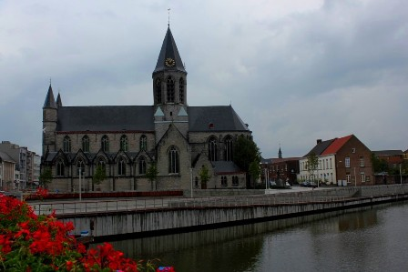 The Leie River and the Deinze Cathedral