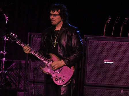 Tony Iommi on guitars - Black Sabbath live in England