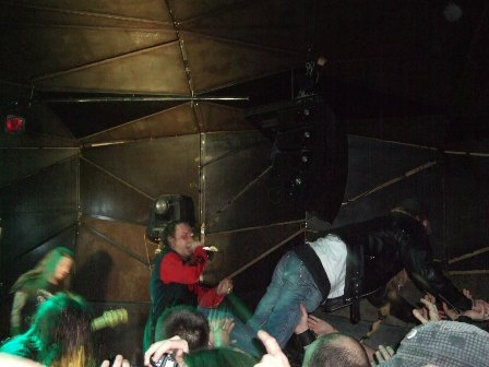 Stage Diving - Entombed live in Paris 2008