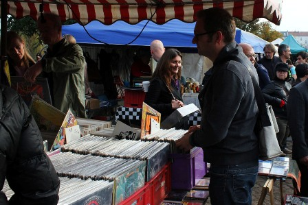 Vinyls and records at the flea market in Mauer Park