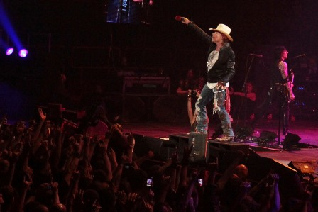 Screaming with Axl Rose