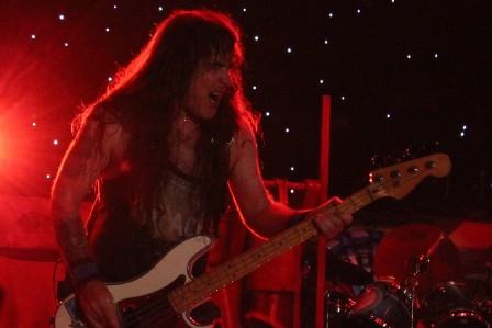 Steve harris and his blue Fender bass - Wildest Dreams