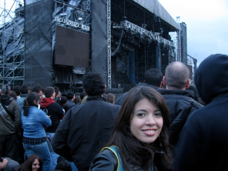 Angélica waiting for the KISS concert