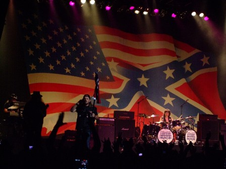 the Confederate and the USA flag on Lynyrd Skynyrd's concert