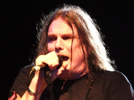 Phil McCormack on vocals - Molly Hatchet live in Paris