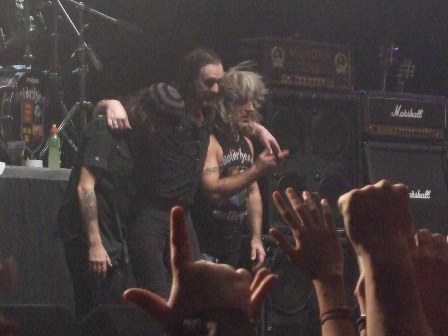 Phill, Lemmy and Mikkey thanking the crowd