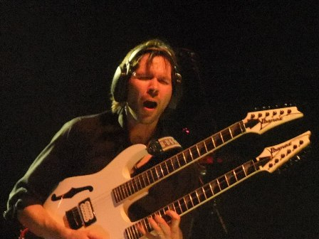 Paul Gilbert - Mr. Big live in Paris