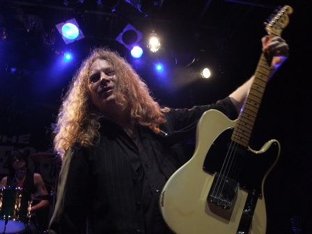 Paul Guerin from The Quireboys live in Paris, October 9 2009