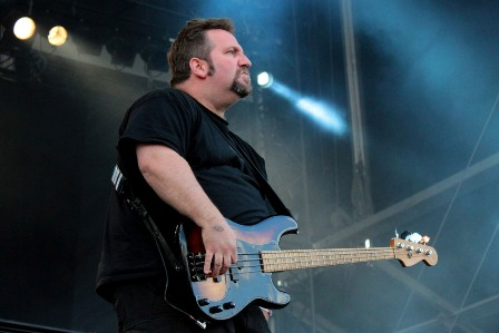 Sacred Reich at Hellfest - Phil Rind on bass and vocals