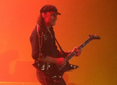 Matthias Jabs on guitars: Scorpions live at Mons Expo