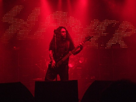 Tom Araya of Slayer playing with a nice background in Paris, November 11 2008