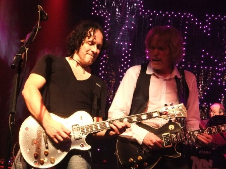 Vivian Campbell and Scott Gorham on guitars with Thin Lizzy live in Paris