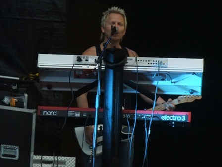 Patrick Appelgren on keyboards and guitars - Treat live at the Bang Your Head