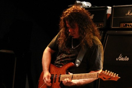 Vinnie Moore on guitars - U.F.O. live in Vauréal, near Paris, at Le Forum